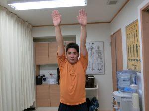 施術後の検査では肩がぴったり揃うようになりました。